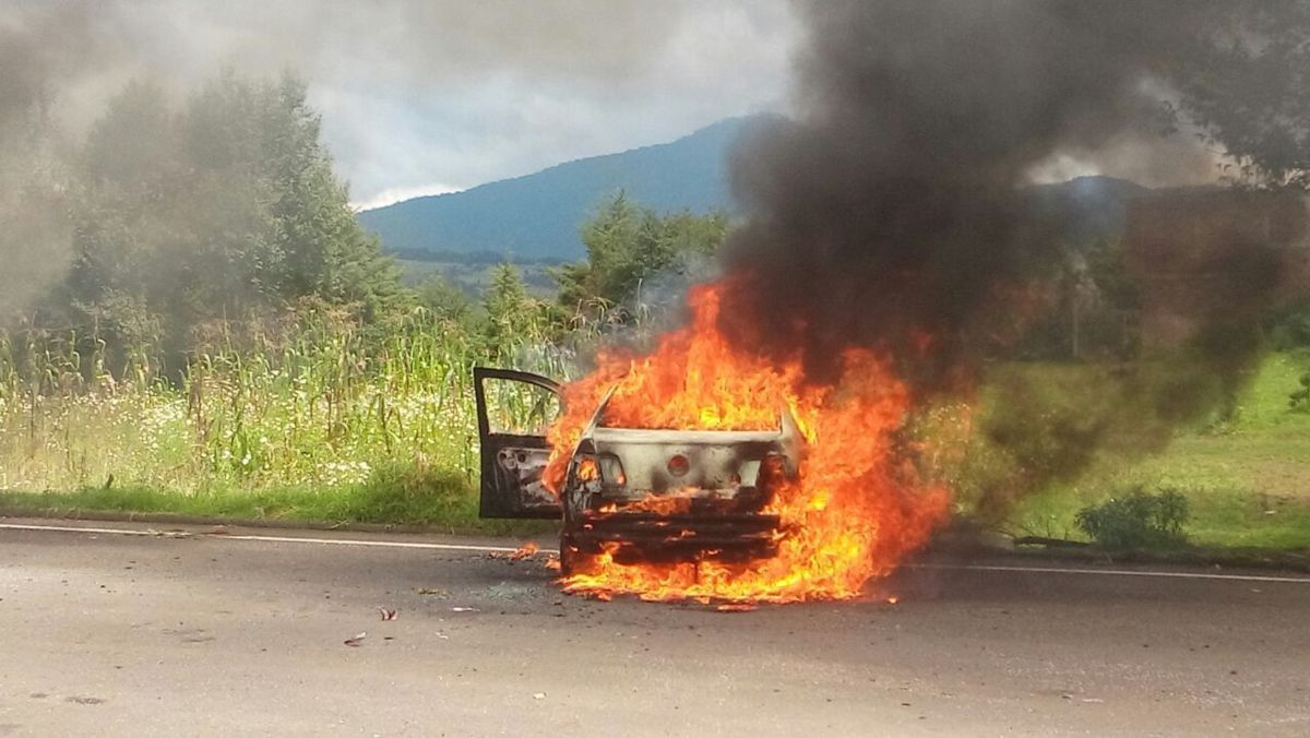 Meksika: Tutuklu Her Öğrenci İçin Bir Araç Yakılacak