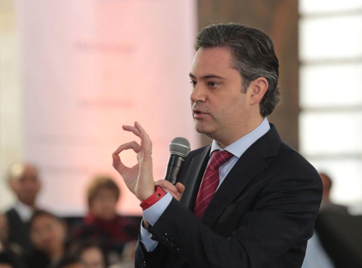 Participa Marco Mena en XXI Asamblea Nacional del PRI
