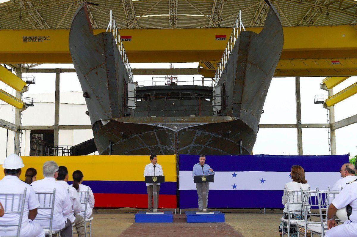 Santos convoca cumbre Colombia-EE.UU.-Mexico-Triángulo Norte por narcotráfico