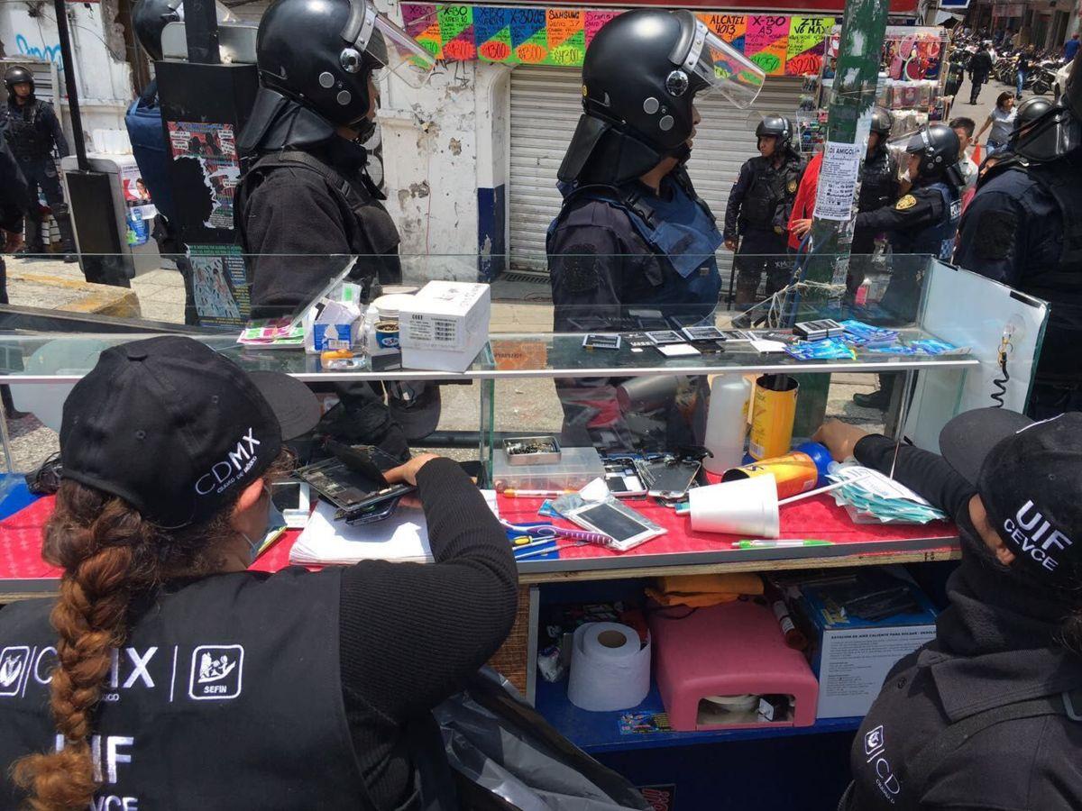 Aseguran 7 mil celulares robados en Plaza Meave