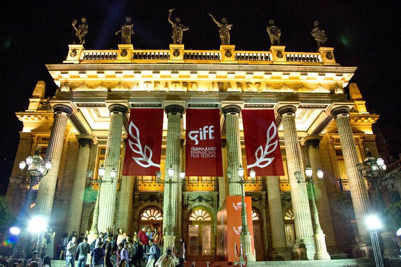 Damián Alcázar y Carmen Armendáriz reconocido por GIFF