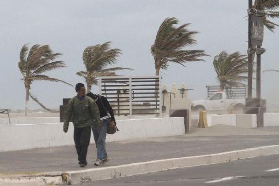 Azota lluvia la ciudad; continuará pronóstico de lluvias intensas