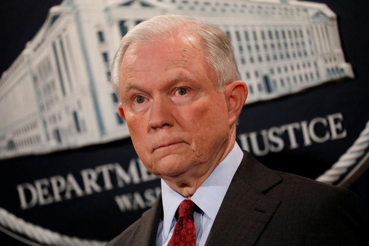 Trump se dice arrepentido del nombramiento de Jeff Sessions