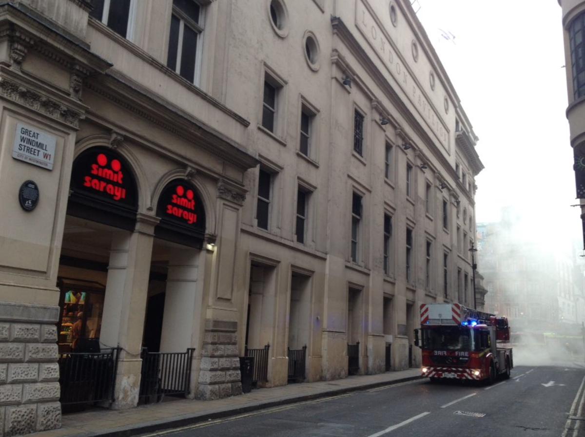 Alerta por incendio en el centro de Londres