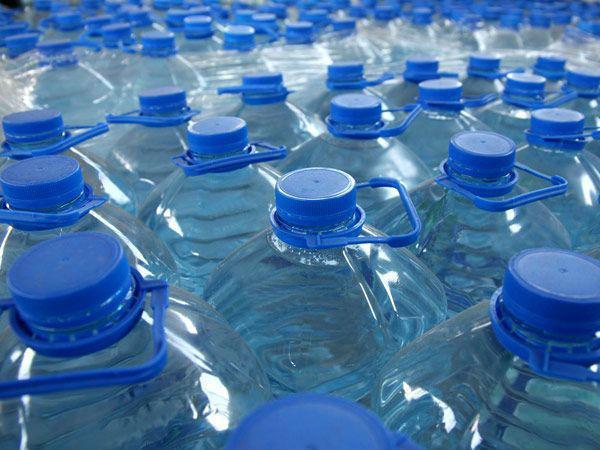 agua-embotellada-cuesta-235-veces-mas-que-el-precio-por-litro-del-grifo-uam