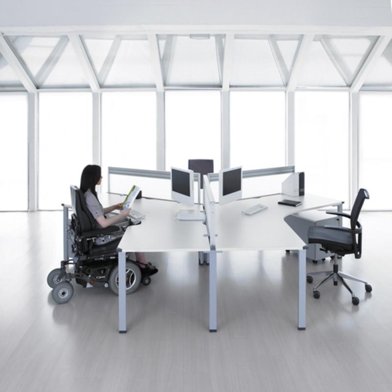 Universitarios proponen mobiliario de oficina para for Mobiliario para estudiantes