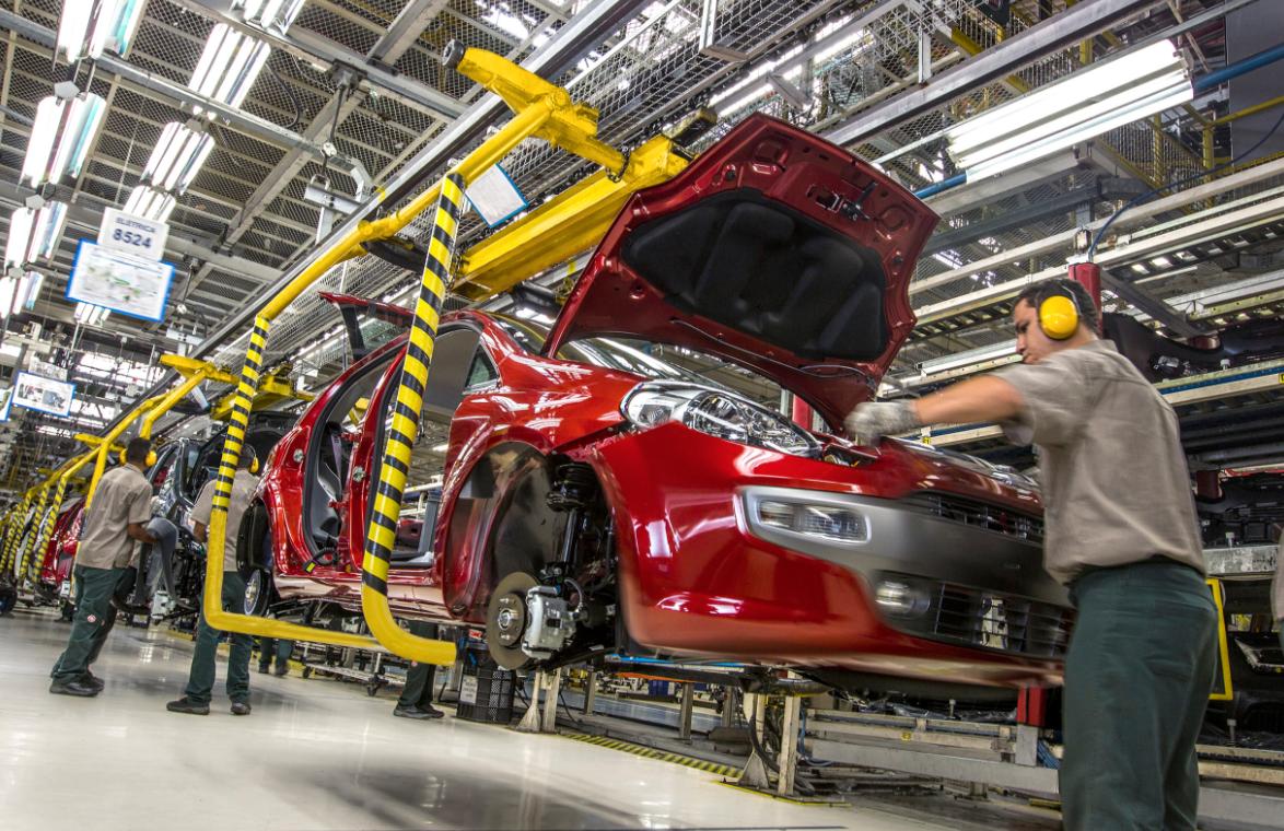 Exportación de vehículos de México sube 12% en junio