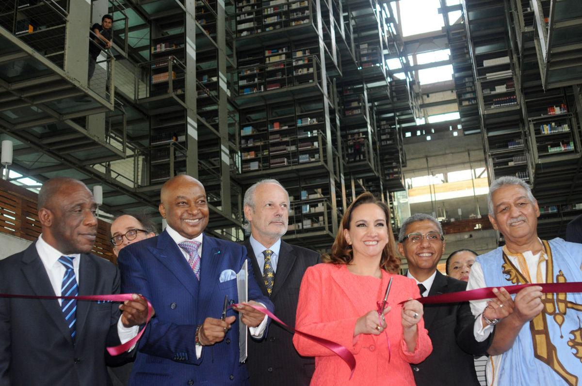 Francois Illas New Tradition: Inauguran Exposición 'Una Travesía Por África Occidental