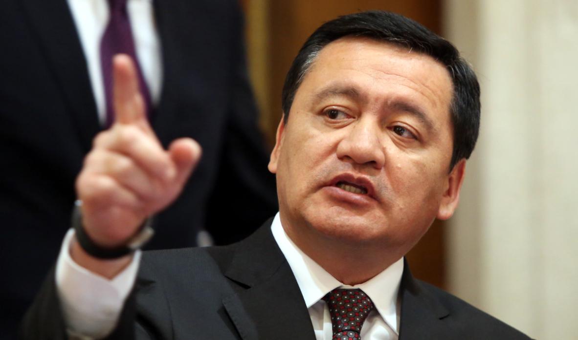 Asegura Osorio Chong que el gobierno va contra 'huachicoleros'