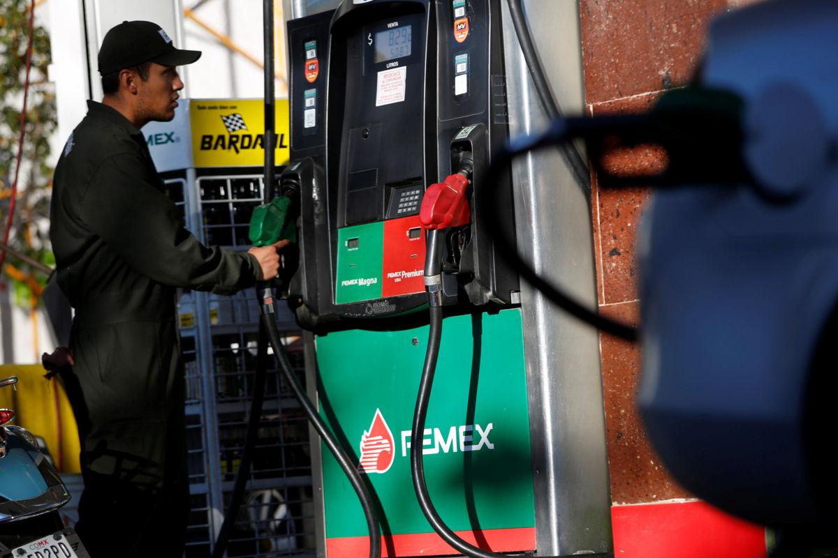Donde meter 98 gasolina en minske