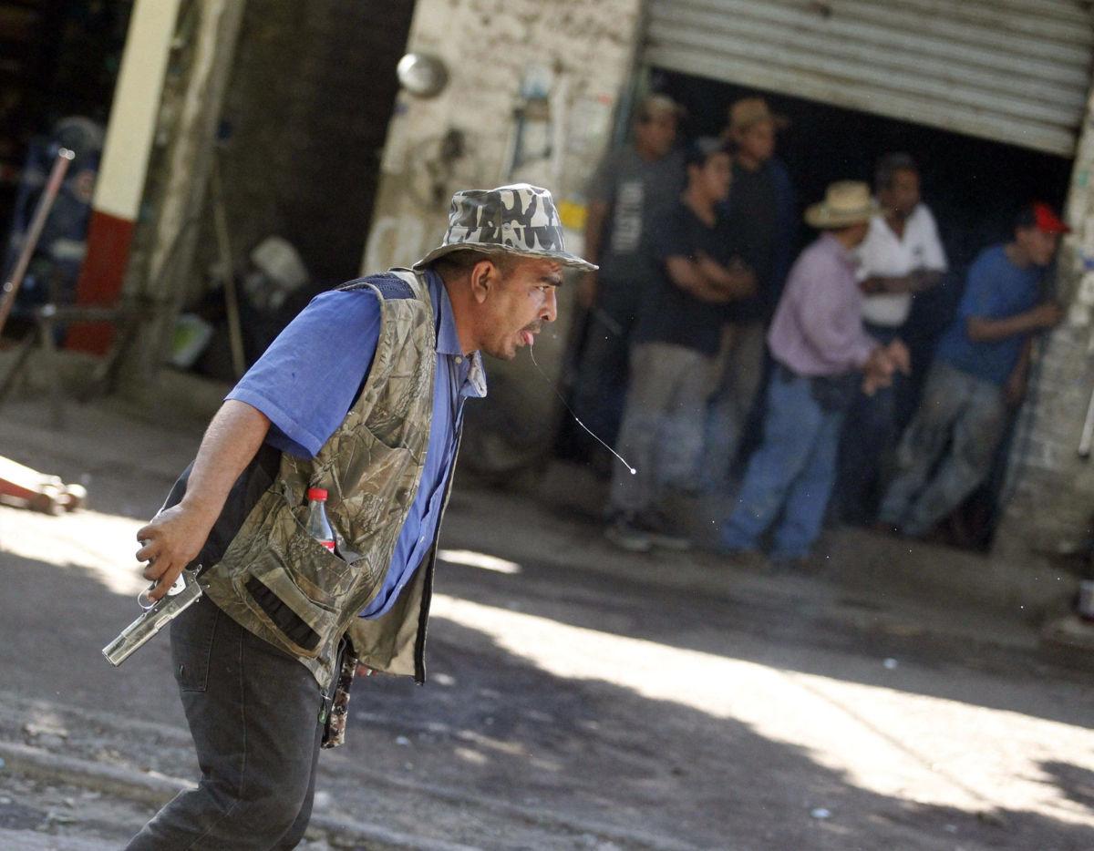 Escupir en la calle, factor de riesgo para tuberculosis: especialista