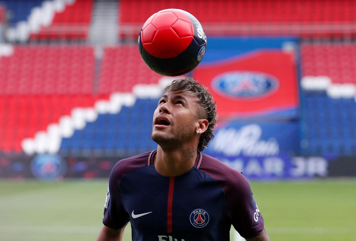 ¡Oficial! Neymar firmó por cinco temporadas con el PSG: