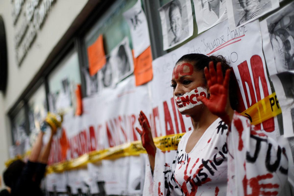 Periodistas desconfían de la autoridad: Roberto Campa