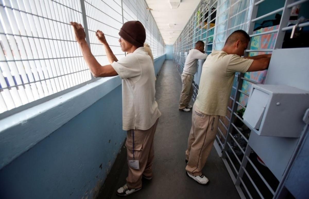 Hay 550 indígenas en penales capitalinos; por robo, la mayoría