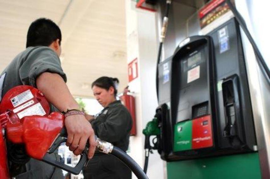 Por tercer día consecutivo precios de gasolinas y Diésel se mantienen