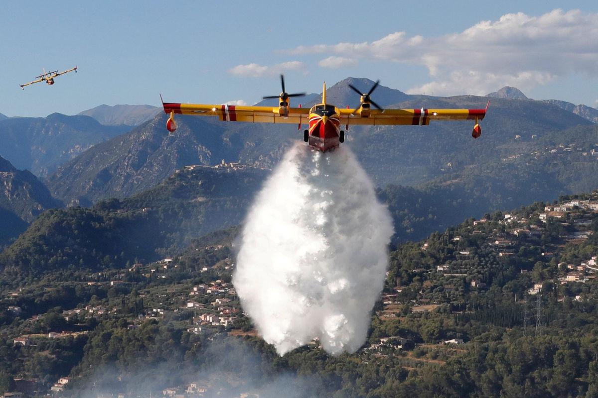 Incendios forestales afectan sureste de Francia
