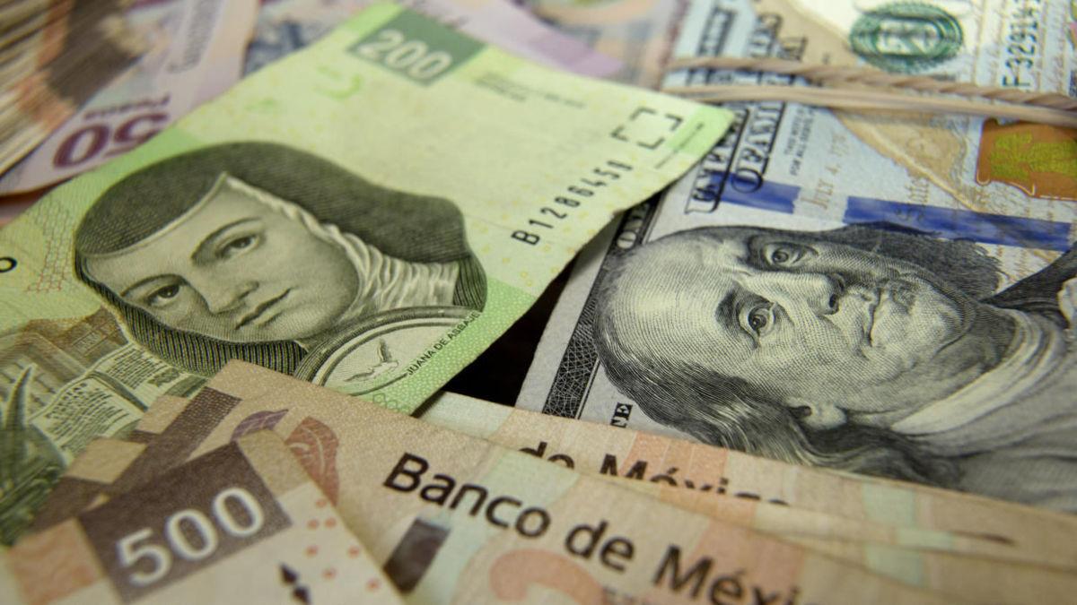 Peso inicia semana con depreciación de 0.27% frente al dólar: Banco Base