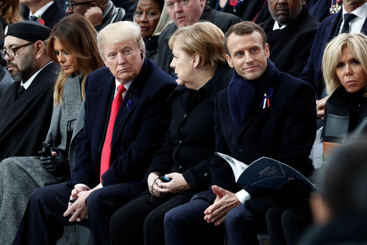 Trump da la nota discordante durante su visita a París
