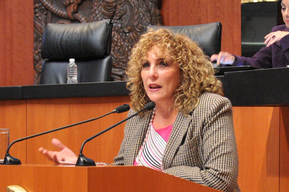 Militante de 20 años deja el PRD, senadora Luz María Beristain