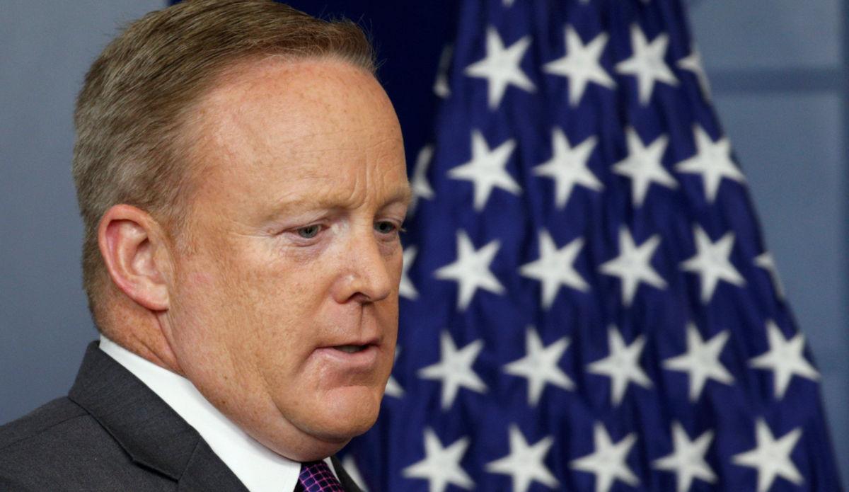 Dimitió Sean Spicer, portavoz de la Casa Blanca
