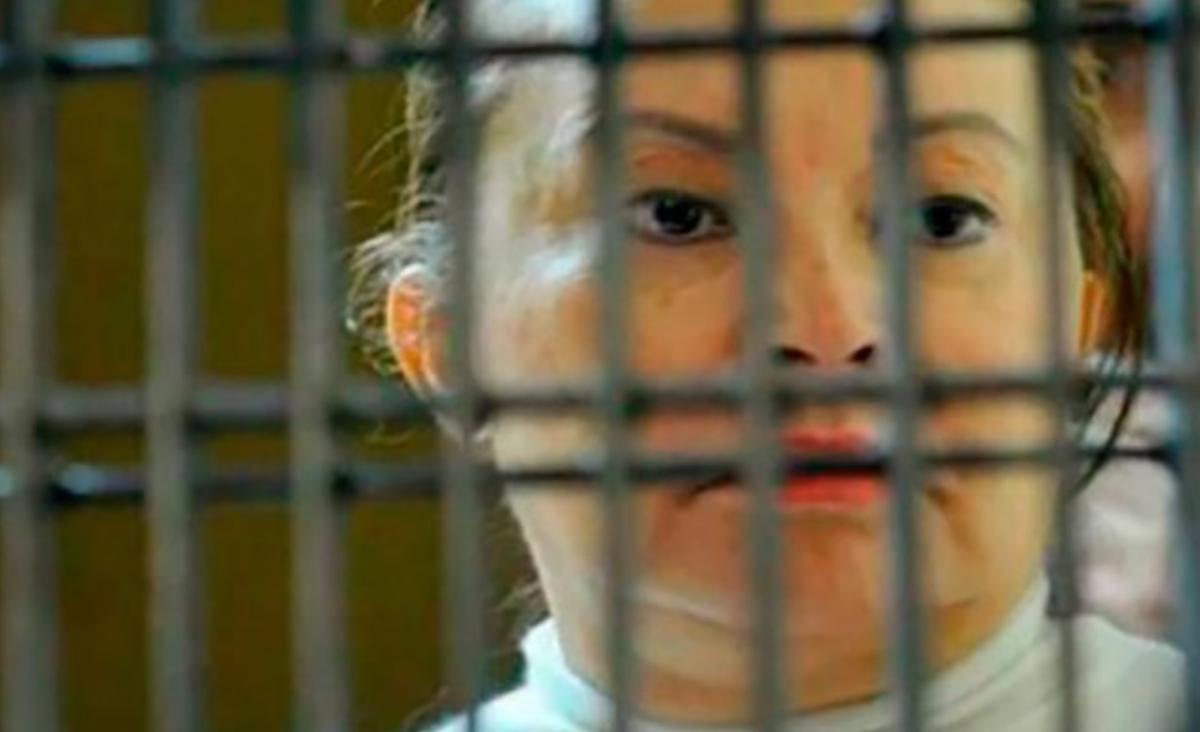 Elba Esther Gordillo sufre desmayo