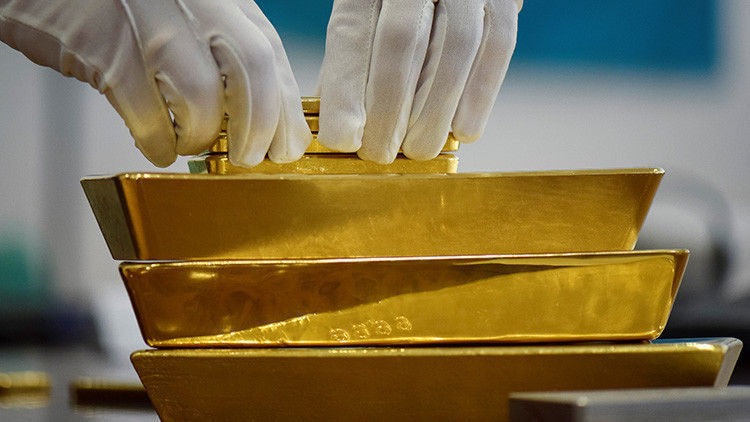 Hallan cuatro toneladas de oro en un barco nazi hundido en Islandia