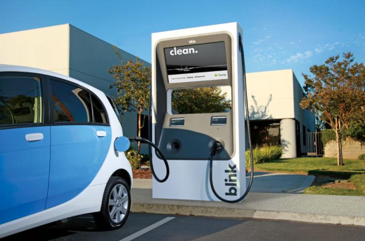 Reino Unido apuesta por los autos eléctricos