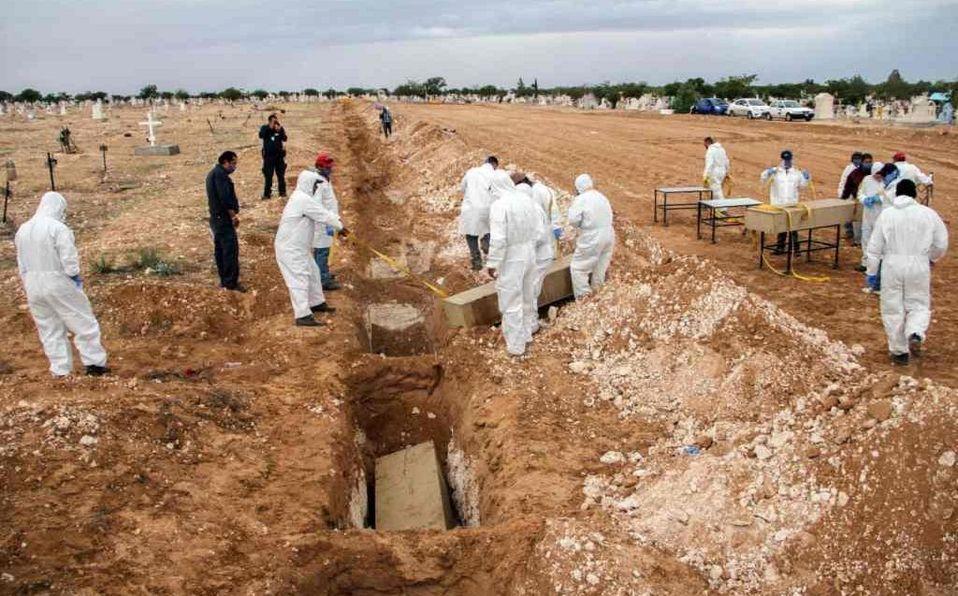 Tras no haber reclamos, sepultan 112 cuerpos en Ciudad Juárez