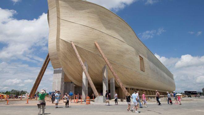 Este hombre construyó una replica exacta del Arca de Noé