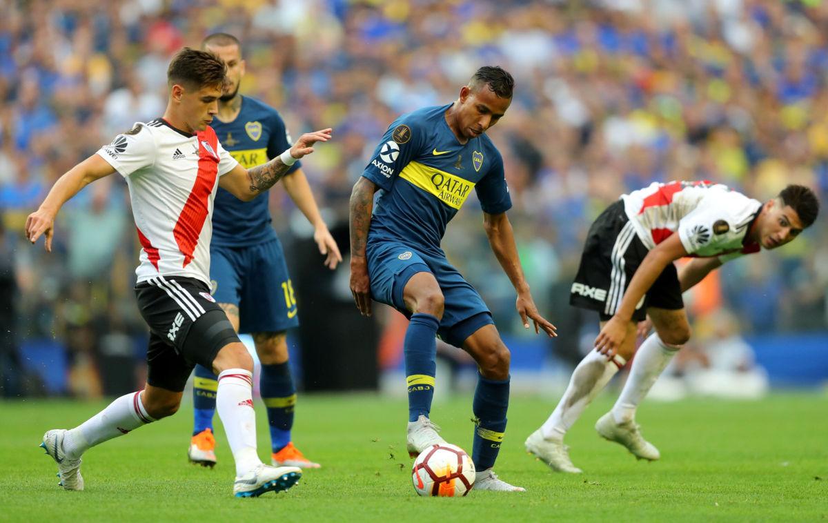 Empatan Boca y River 2-2 en final de ida de la Copa Libertadores