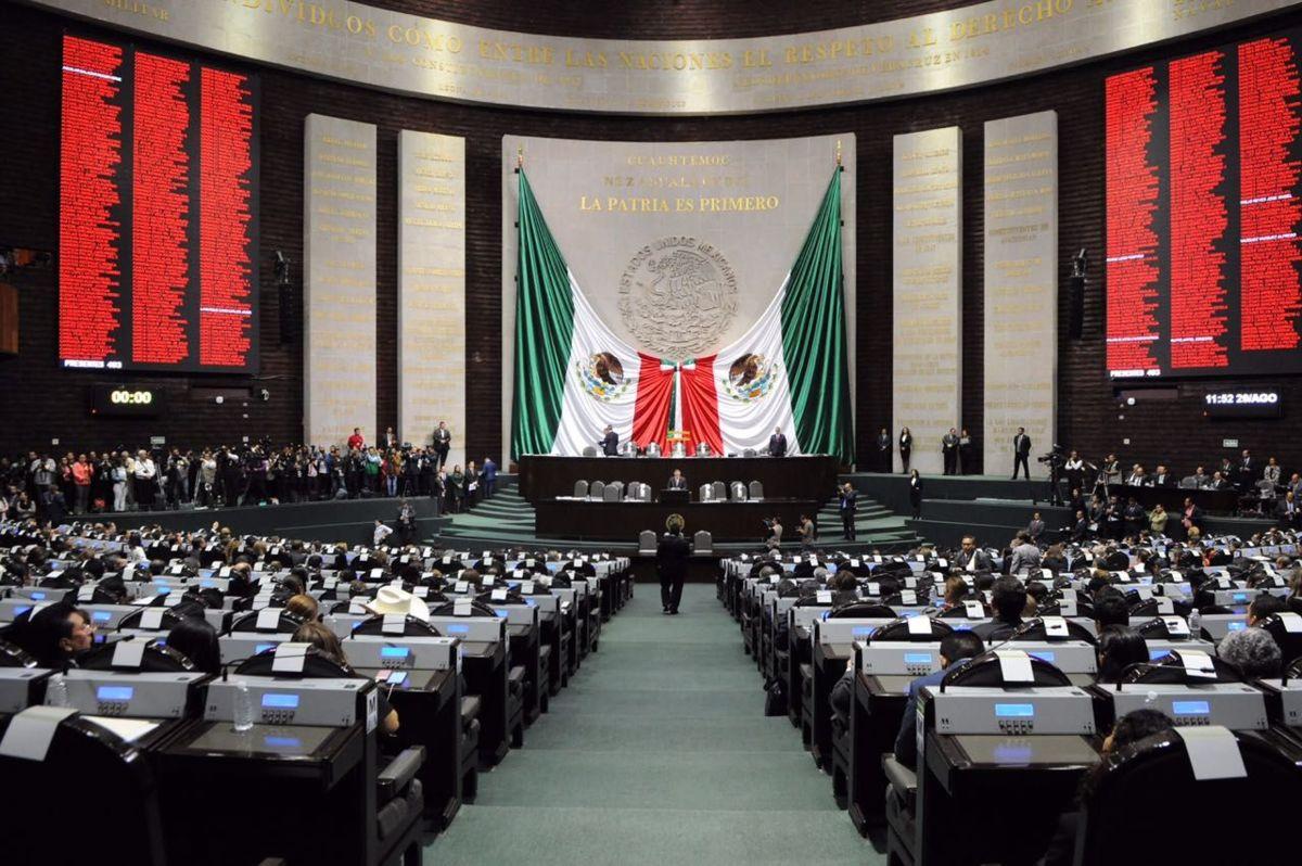 A petición de la CNTE, diputados aprueban exhorto para suspender evaluación