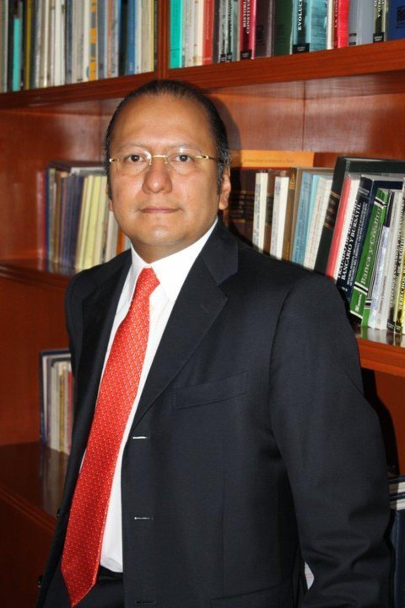 Gabriel Regino, abogado penalista - MVS Noticias