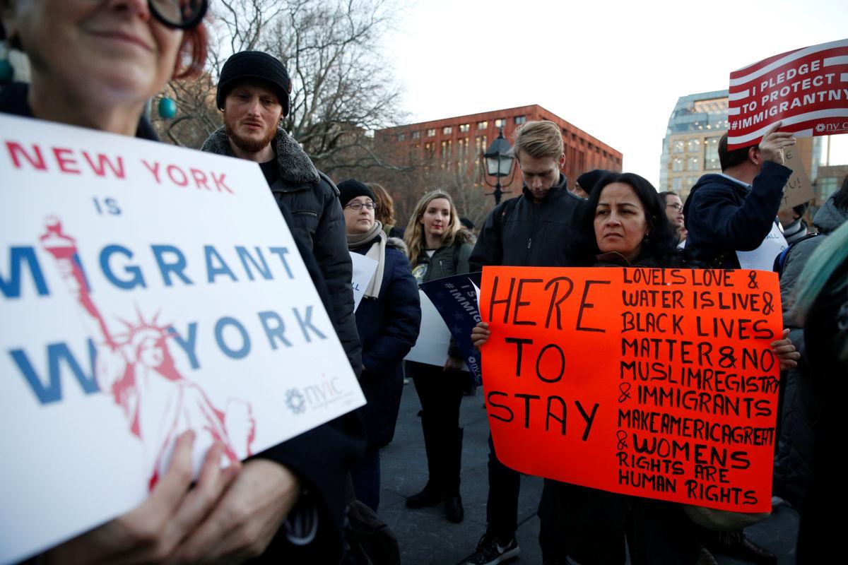 7cdd0c631fa0dcd46920afdd90886d26 - Alcalde de Miami propuso detener a los inmigrantes indocumentados