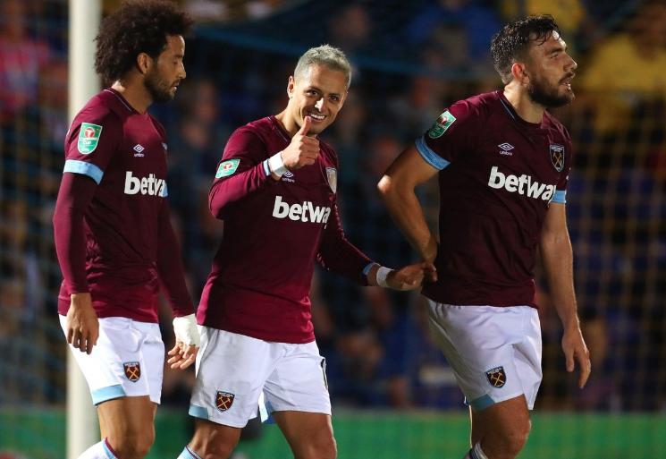 'Chicharito' colabora con gol en la victoria de West Ham sobre Wimbledon