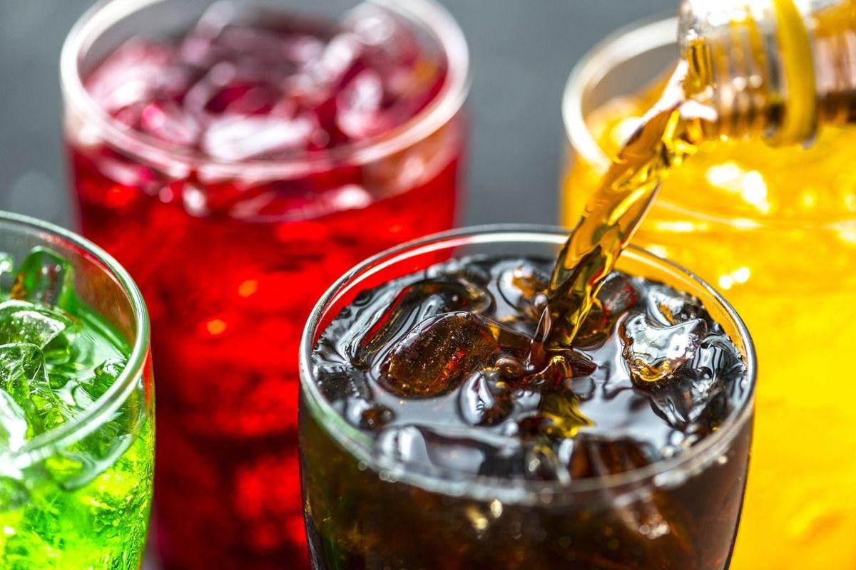 Los riesgos de hidratar a niños con bebidas azucaradas